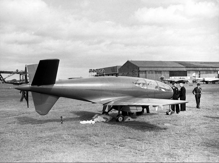 Avions 1950's, futuristes et vaisseaux spaciaux - Vintage Spaceships, Starships and futuristic planes.  10306510