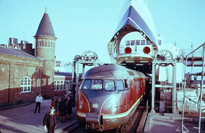 Locomotives et trains vintages 10313811