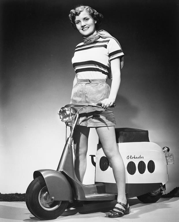 Scooter des 1950's & 1960's - Page 2 10322710