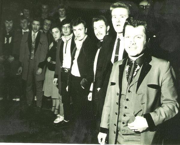 Teddy Boys - Page 2 14244710