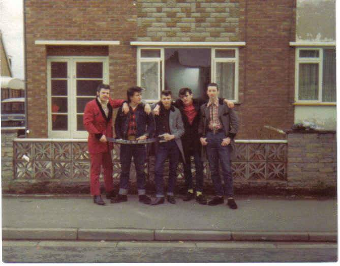 Teddy Boys - Page 2 15028210