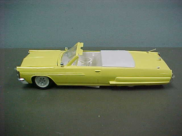 Vintage built automobile model kit survivor - Hot rod et Custom car maquettes montées anciennes 1602c110