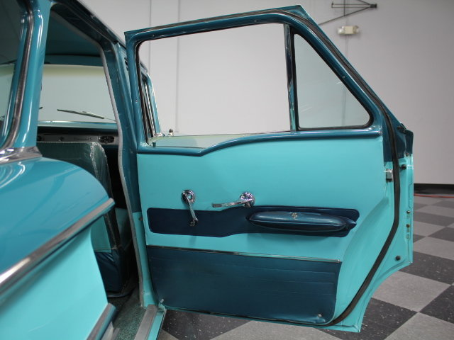 Chevrolet Classic Cars 18857710