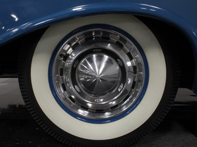 Chevrolet Classic Cars 19008010