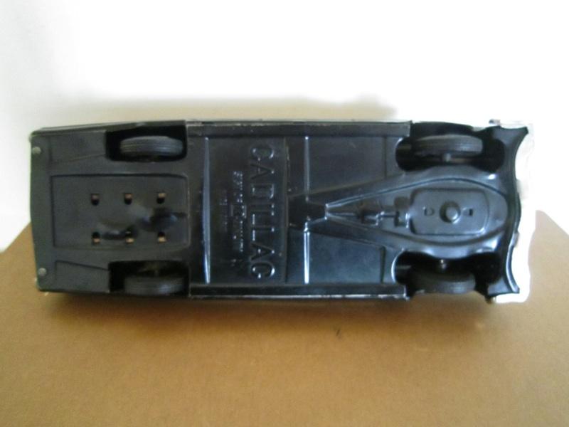 us car -  tôle - Tin Toys -  1950's & 1960's - Page 2 1a2c3e10