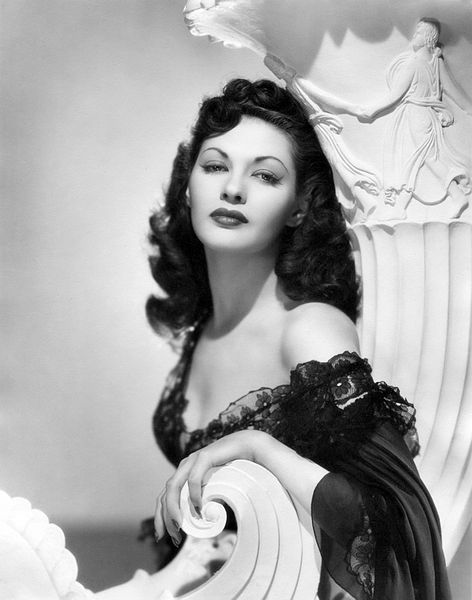 Yvonne De Carlo - actrice 472px-10