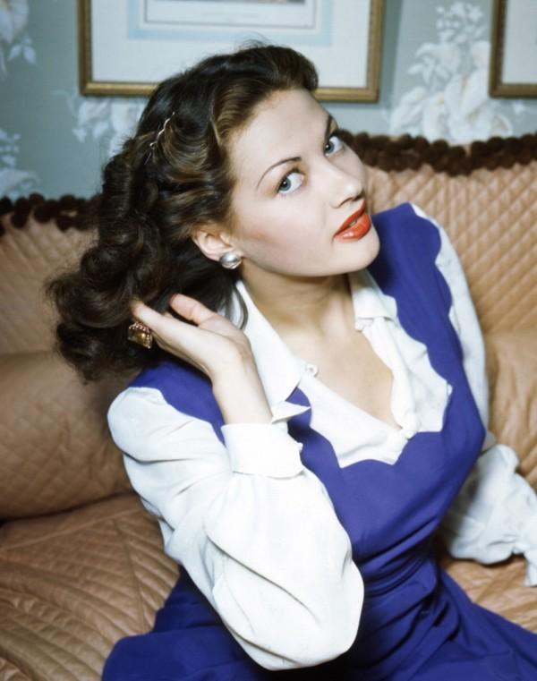 Yvonne De Carlo - actrice 600ful10