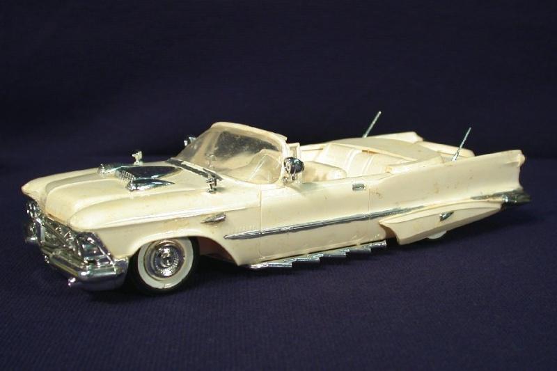 Vintage built automobile model kit survivor - Hot rod et Custom car maquettes montées anciennes Amt3in10