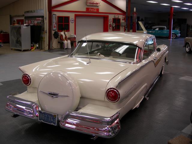 Ford 1957 & 1958 custom & mild custom  - Page 3 Av155013