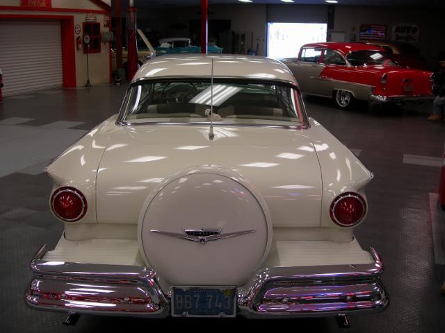 Ford 1957 & 1958 custom & mild custom  - Page 3 Av155014