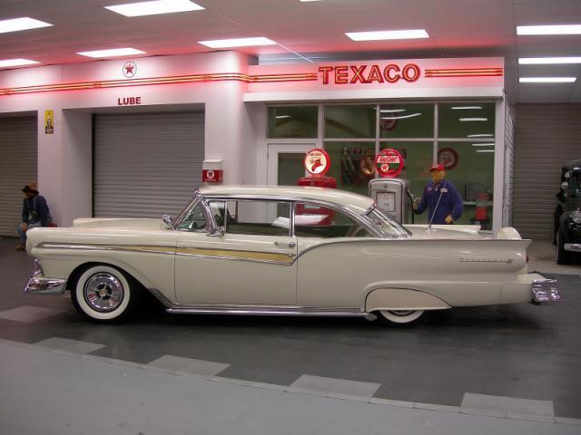 Ford 1957 & 1958 custom & mild custom  - Page 3 Av155016