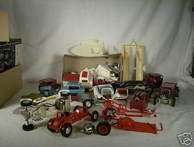 Vintage built automobile model kit survivor - Hot rod et Custom car maquettes montées anciennes E978_110