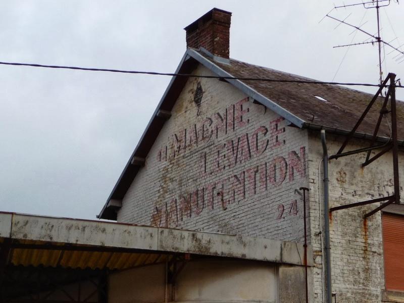 Les chemins de Clio - Friches industrielles, anciens magasins et murs peints en France Etroeu10