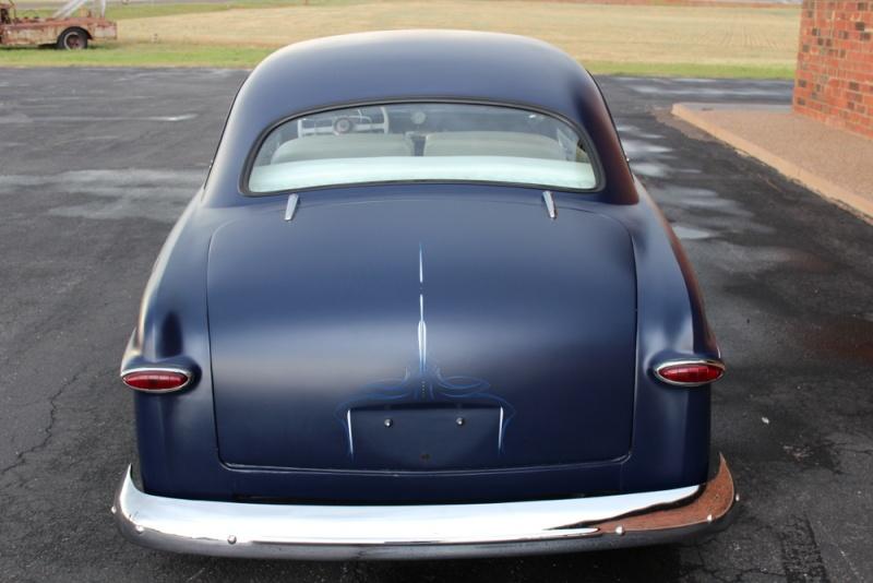 Ford 1949 - 50 - 51 (shoebox) custom & mild custom galerie - Page 6 Img_4515