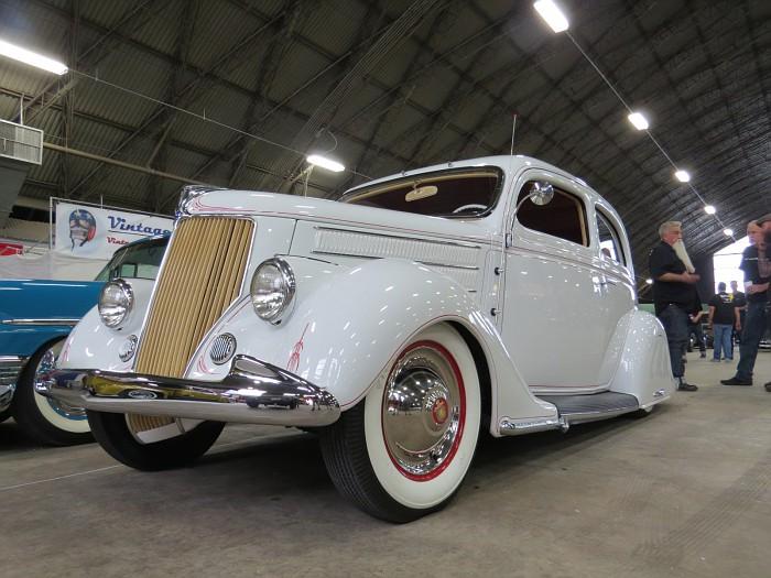 Ford 1935 - 38 custom & mild custom - Page 2 Img_5419