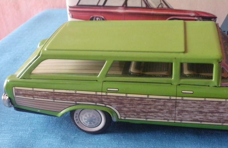 us car -  tôle - Tin Toys -  1950's & 1960's - Page 2 Imgp0712