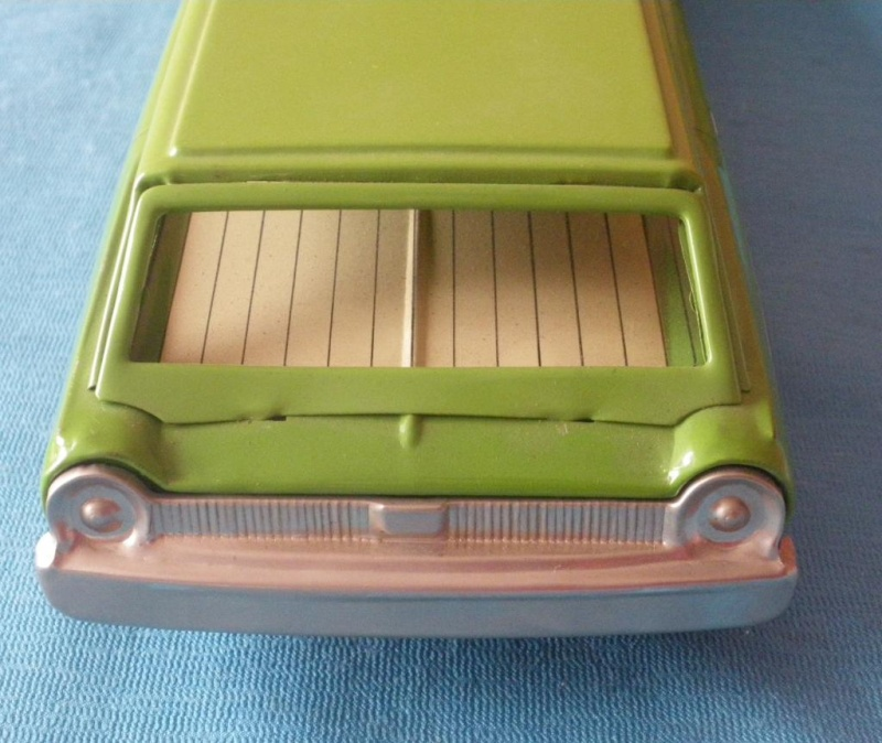 us car -  tôle - Tin Toys -  1950's & 1960's - Page 2 Imgp0714
