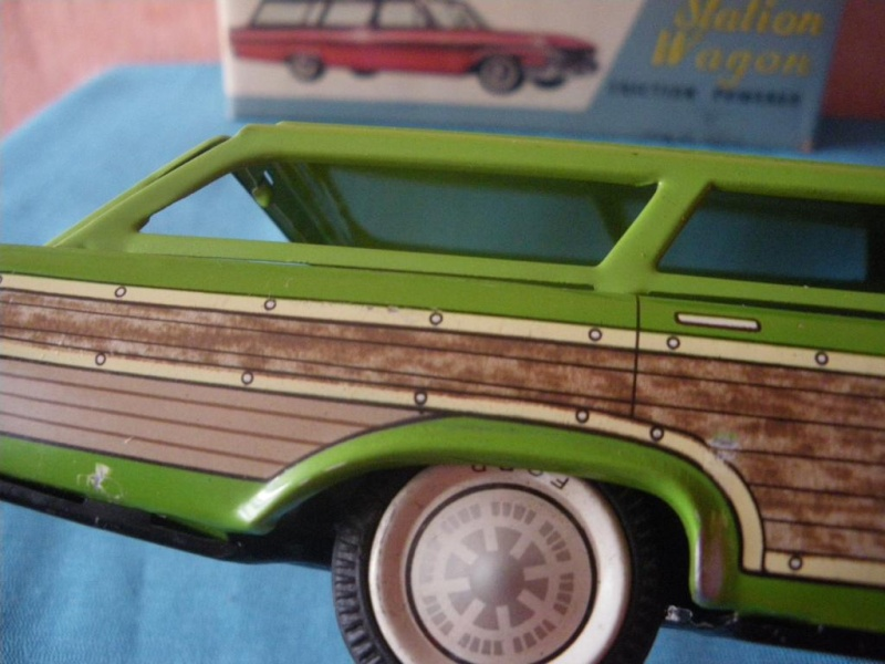 us car -  tôle - Tin Toys -  1950's & 1960's - Page 2 Imgp0717