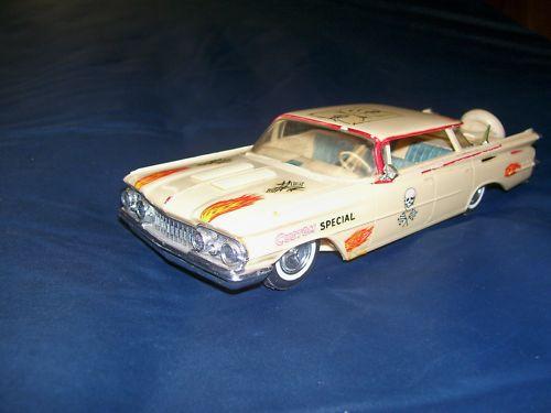 Vintage built automobile model kit survivor - Hot rod et Custom car maquettes montées anciennes Kgrhqi19