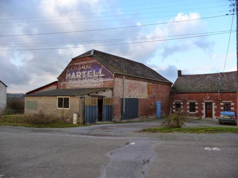 Les chemins de Clio - Friches industrielles, anciens magasins et murs peints en France Laroui10