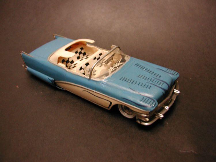 Vintage built automobile model kit survivor - Hot rod et Custom car maquettes montées anciennes P1200010