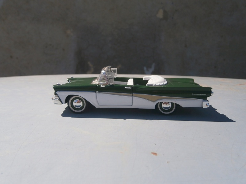 1/32 scale - American classic car diecast P4140016