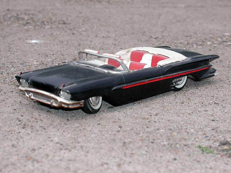 Vintage built automobile model kit survivor - Hot rod et Custom car maquettes montées anciennes P5070011