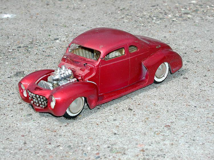 Vintage built automobile model kit survivor - Hot rod et Custom car maquettes montées anciennes P5070012