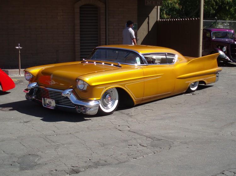 Cadillac 1957 & 1958  custom & mild custom - Page 2 P8240010
