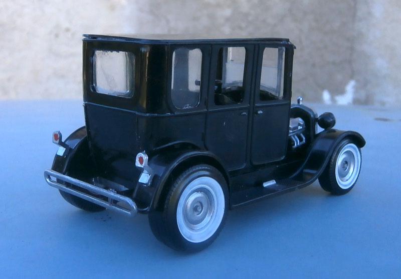 1922 Ford hot rod - Aurora - Hi Stepper - 1/32 - P9220011