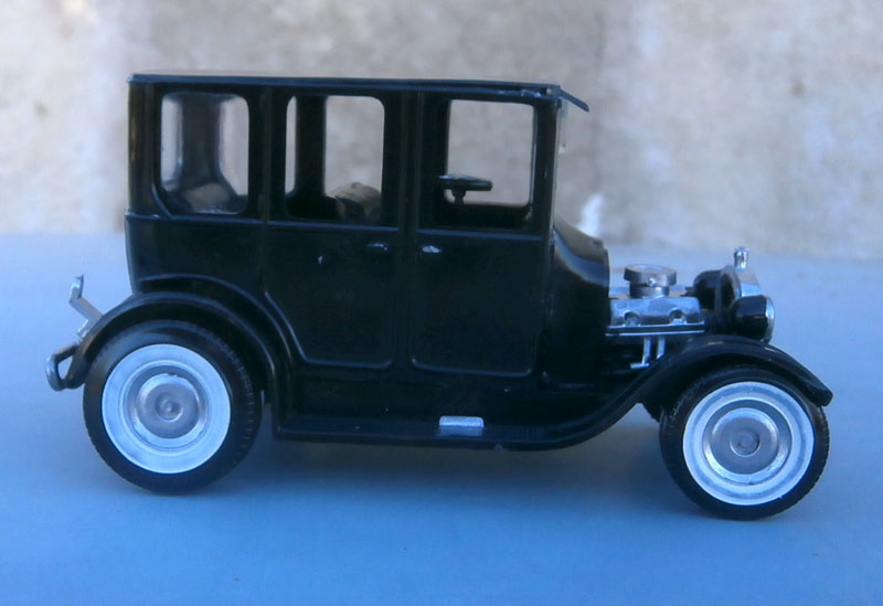 1922 Ford hot rod - Aurora - Hi Stepper - 1/32 - P9220012