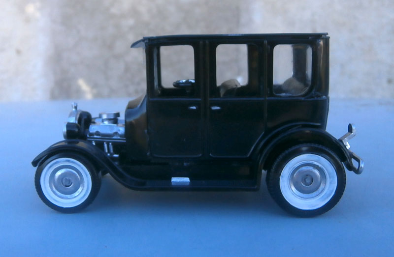 1922 Ford hot rod - Aurora - Hi Stepper - 1/32 - P9220013