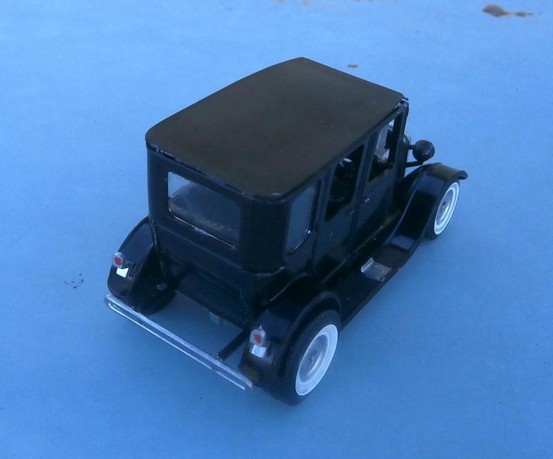 1922 Ford hot rod - Aurora - Hi Stepper - 1/32 - P9220015