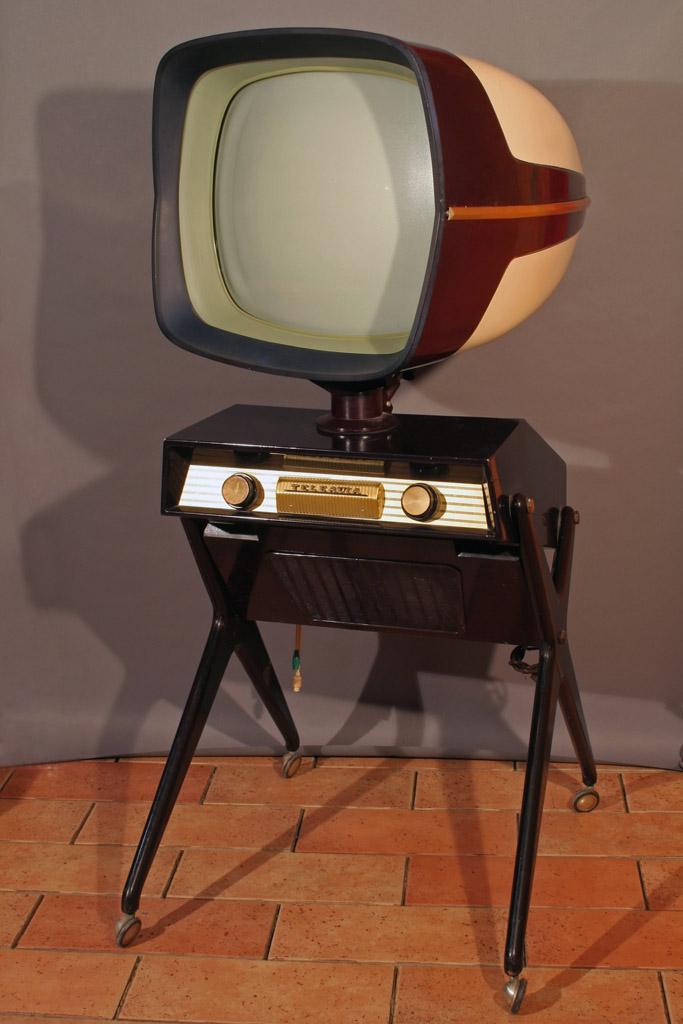 Teleavia P111 - 1957 - 1958 - Philippe Charboneau - Bertroni Tvfran10