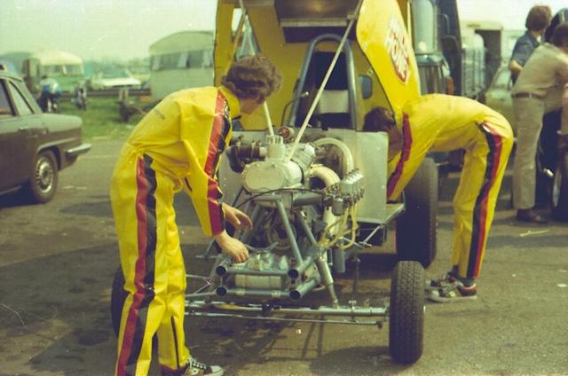 Corgi Dragster - 1/43 scale - Drag Racing Wild_h13