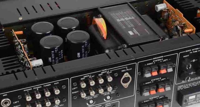 È possibile collegare più amplificatori a un singolo DAC? S910