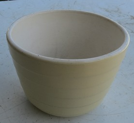 An interesting mixing bowl auction - for an English Ritemp cake mixer X_blog10