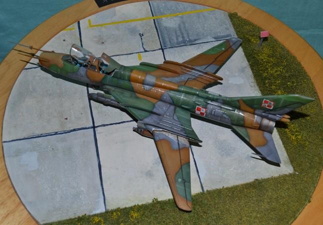 Sukhoi 17 UM 3    Zvesda 1/72 060_7511