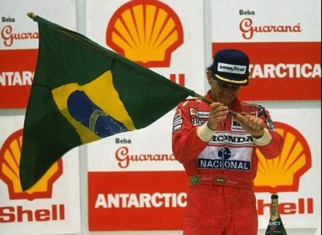 Ayrton Senna da Silva - Hommage... - Page 4 Ayrton10