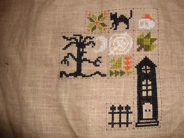 SAL Patchwork Halloween de Jardin Privé - FINI - Page 5 Dsc01110