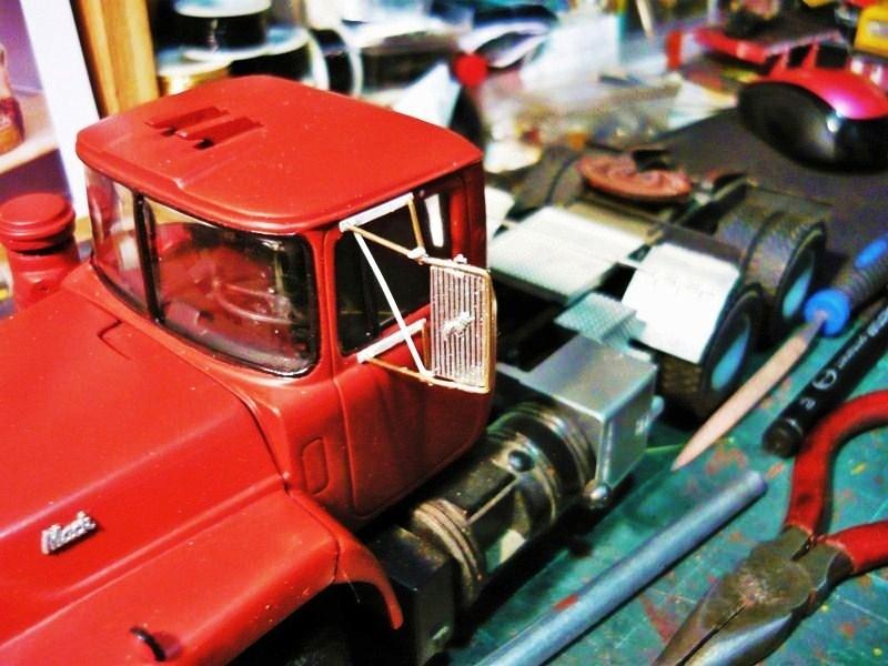Mack RD 600 1989 avec remorques forestière Deloupe. ( complété ) P1110331