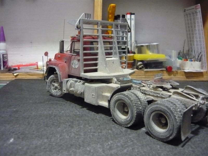 Mack RD 600 1989 avec remorques forestière Deloupe. ( complété ) P1110628