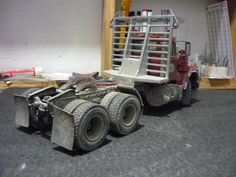 Mack RD 600 1989 avec remorques forestière Deloupe. ( complété ) P1110631