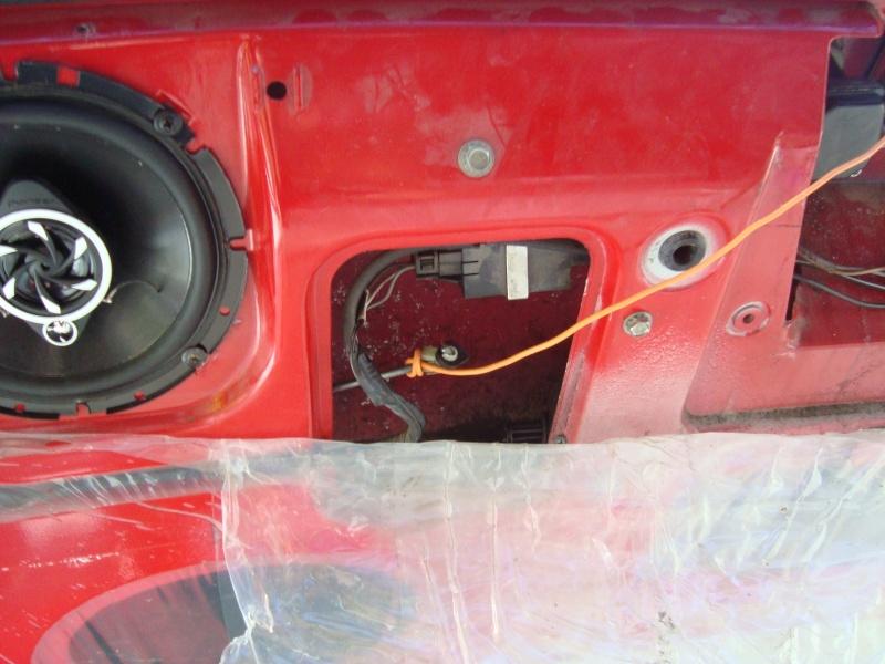 Recherche Ouverture de coffre Pontiac Dsc04024