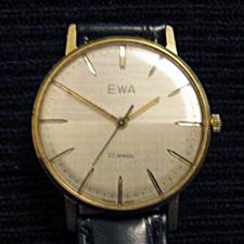 Marques d'emprunt ou d'exportation des montres soviétiques 37854710