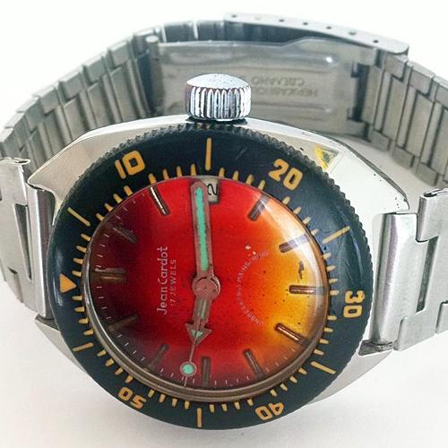 Marques d'emprunt ou d'exportation des montres soviétiques _57b11