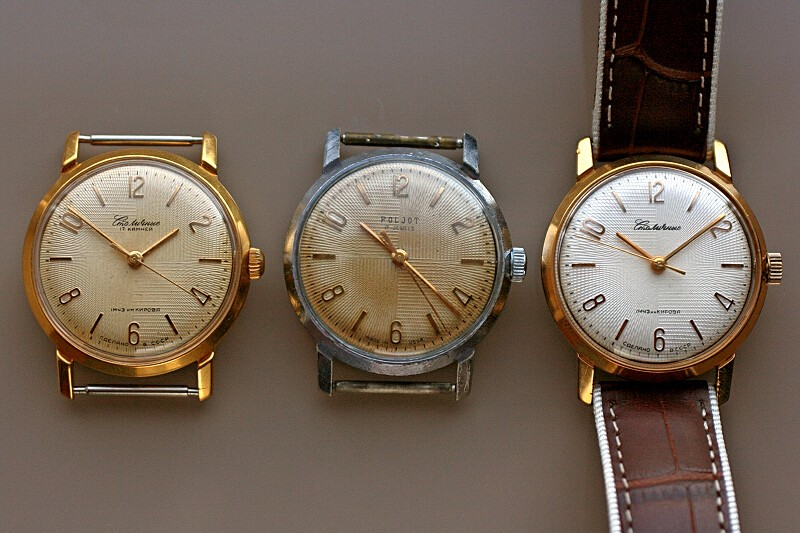 Marques d'emprunt ou d'exportation des montres soviétiques Stolm810