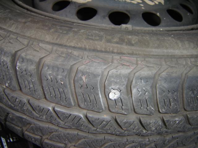 Reifen platt- Reparatur möglich Dsc01010