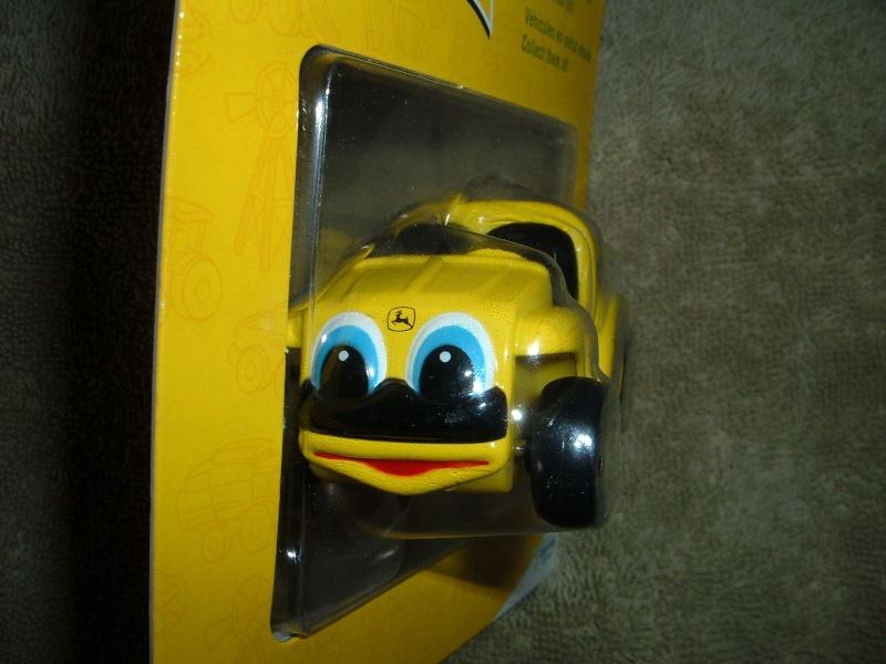 "GATOR 4x2 jaune postal/TP (ERTL ""My First Collectible"") Ertl_m11"