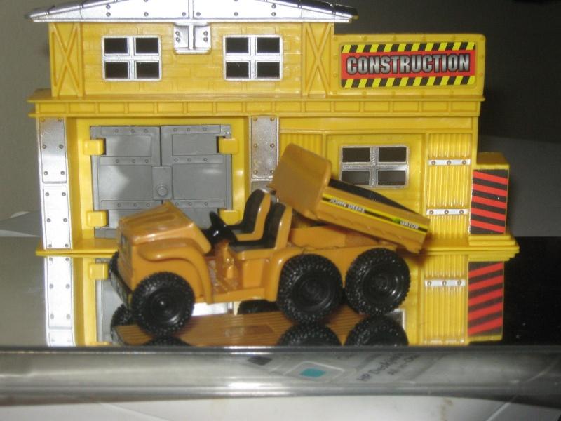 ERTL  GATOR 6x4 1/64ème jaune TP (Ref ?) Kgrhqj10